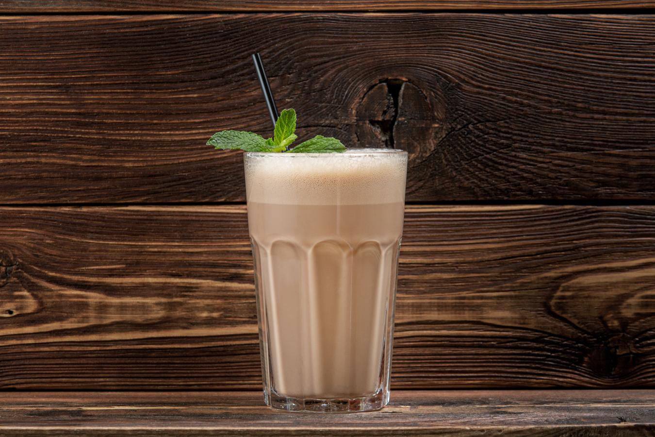 Молочный коктейль (шоколадный)